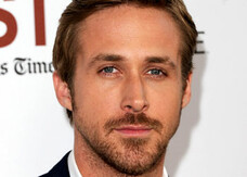 Ora Ryan Gosling si può colorare. Guarda la photogallery