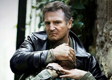 Taken 2, le prime tre foto badass con Liam Neeson