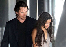 Knight of Cups: Christian Bale e Freida Pinto in romantiche foto dal set