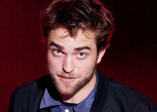 Robert Pattinson pittore per beneficenza