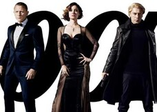 Skyfall, i character poster con James Bond, Silva e le girls