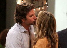 Una notte da leoni 3, bacio hot di Bradley Cooper sul set