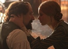 Ralph Fiennes è Charles Dickens nel primo trailer di The Invisible Woman