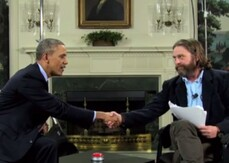 Zach Galifianakis intervista Barack Obama su Funny or Die: «Che cosa si prova a essere l'ultimo Presidente nero?»