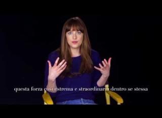 Cinquanta Sfumature di Nero – Intervista a Dakota Johnson  (sottotitoli in italiano)