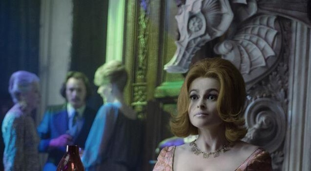 Dark Shadows, Johnny Depp e Michelle Pfeiffer in nuove foto – UPDATE con Helena Bonham Carter