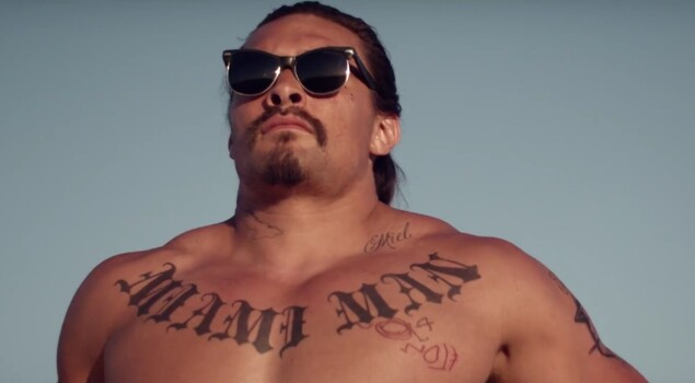 The Bad Batch: ecco il teaser del cannibal movie con Jason Momoa, Jim Carrey e Keanu Reeves