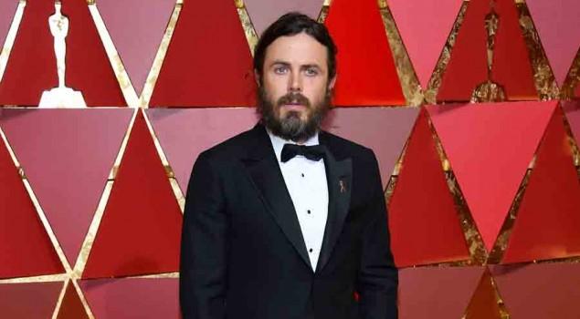 Oscar 2017, Casey Affleck risponde alle accuse di molestie