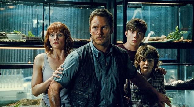 Jurassic World 2: il primo poster del film rivela il titolo ufficiale