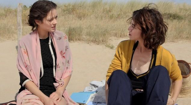 Cannes 70, Ismael's Ghost apre il Festival. La recensione del film con Marion Cotillard e Charlotte Gainsbourg