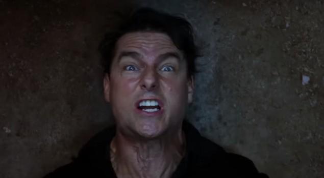 Tom Cruise si trasforma in un mostro nel nuovo trailer de La Mummia