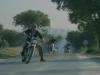 1. altrimenti ci arrabbiamo, il duello in moto