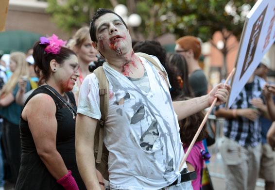 Comic-Con 2012 - La sfilata di zombie