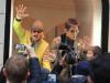 Zoolander 2, Ben Stiller e Owen Wilson in vetrina da Valentino a Roma (5)