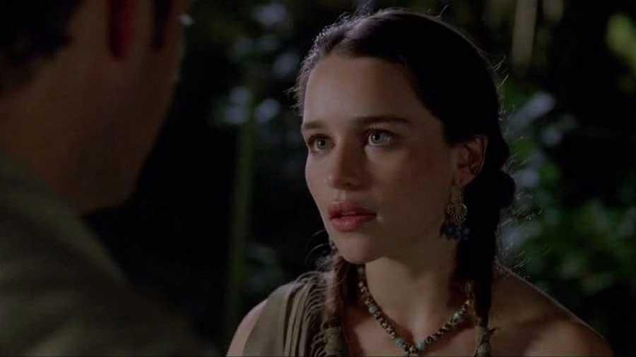 Emilia Clarke -L'attrice britannica star della serie tv Il Trono di Spadeprima di avere a che fare con idraghi ha incontrato idinosau...