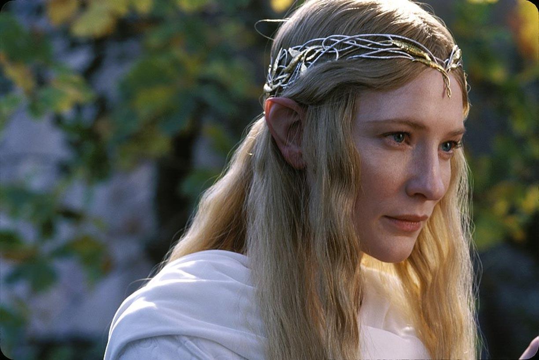 Il suo portafortuna, Cate Blanchett l'ha trovato sul set della saga del Signore degli anelli: si tratta delle orecchie da elfo del s...