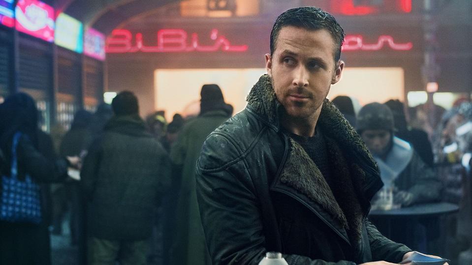 Ryan Gosling è fresco di nomina per La La Land; Denis Villeneuve, per Arrival. Aggiungeteci Harrison Ford, Jared Leto, e un film cult all...