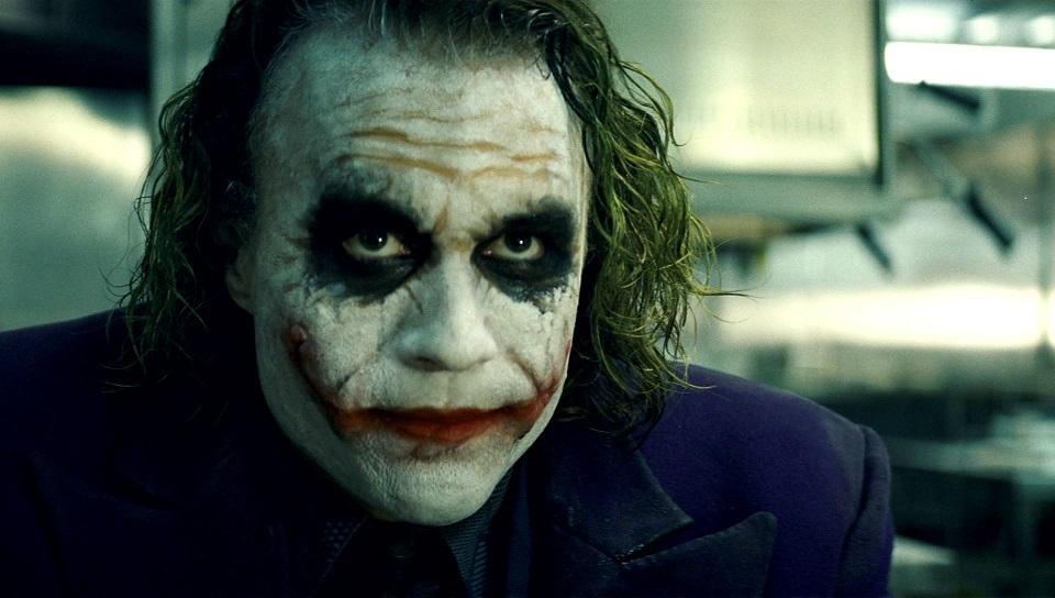 #1 - Ebbene sì, in cima alla nostra classifica c'è ovviamente lui, il Joker di Heath Ledger visto ne Il cavaliere oscuro! Non era af...