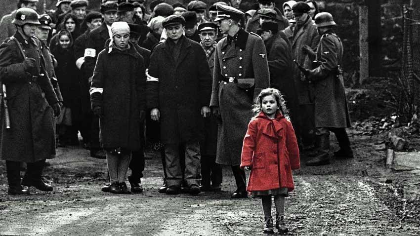 Schindler's List (1993) - Il film di Steven Spielberg è stato vietato sia per una polemica etnica e politica, ma anche per il conten...