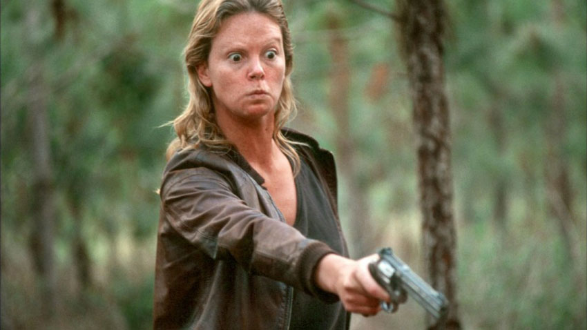 Charlize Theron in Monster - La bellissima attrice ha stupito tutti quando nel 2003 ha vestito i panni della killerAileen Wuornos, condan...
