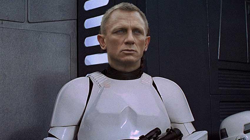 Star Wars: Il Risveglio della Forza - Il cameo di Daniel Craig nei panni di uno Stormtrooper sarebbe passato inosservato, se Simon Pegg n...