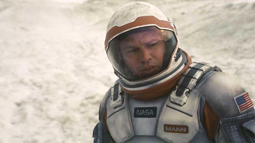 Interstellar - Matt Damon non compare nei credits del film per una semplice ragione: da lì a poco avrebbe interpretato Mark Watney in Sop...