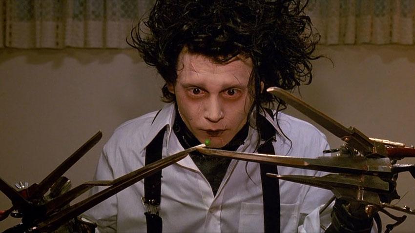 Johnny Depp in Edward mani di forbice - Il film segna l'inizio di una sempre più stretta collaborazione tra l'attore e Tim Burt...