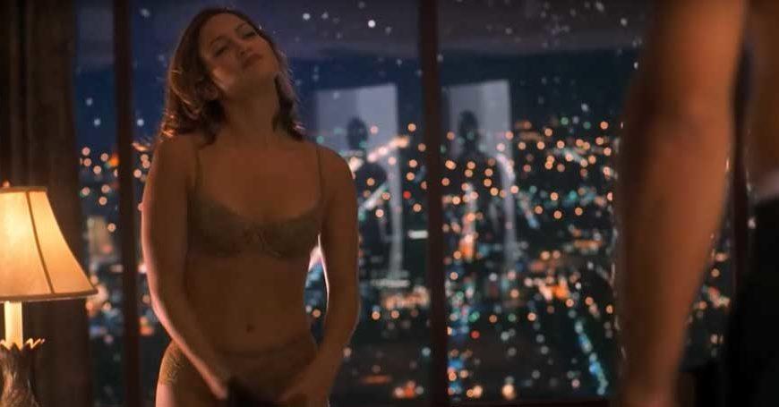 Jennifer Lopez - Il sexy sceriffo federale di Miami, la bellissima Karen Sisco, che s'innamora del rapinatore di banche Jack Foley (...