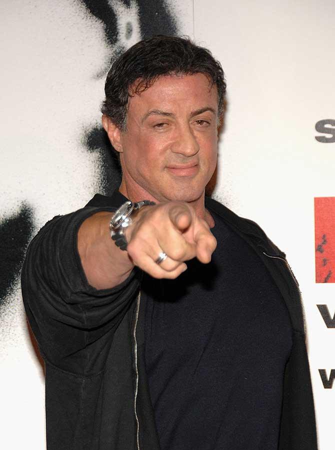 Beverly Hills Cop - Sylvester Stallone era stato scelto inizialmente per vestire i panni di Axel Foley, lo sapevate? Ma i continui dissap...