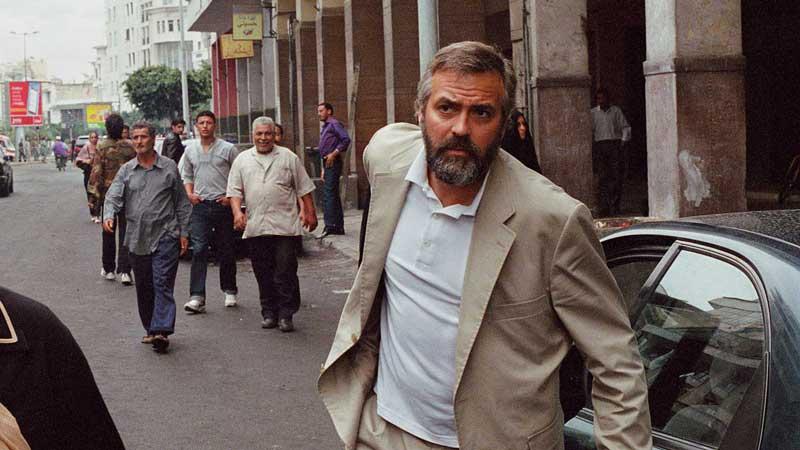 George Clooney - Nel 2005 l'attore ha preso un brutto colpo alla schiena durante le riprese del film Syriana. La botta gli ha procur...