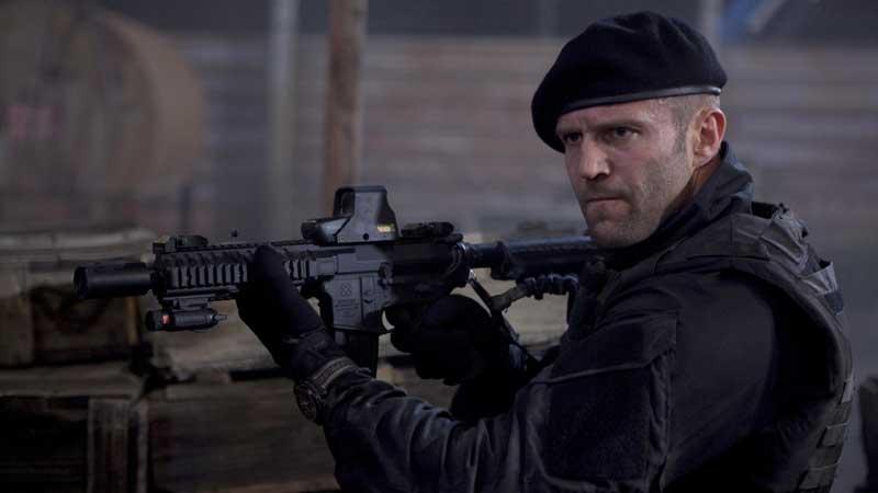 Jason Statham - L'attore non è estraneo alle scene pericolose, ma questa volta ha proprio esagerato! Durante le riprese de I Mercena...