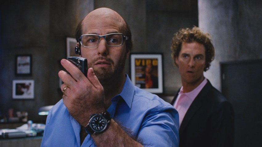 Tom Cruise in Tropic Thunder - La commedia di e con Ben Stiller prende in giro i più famosi film di guerra e lo star-system hollywoodiano...