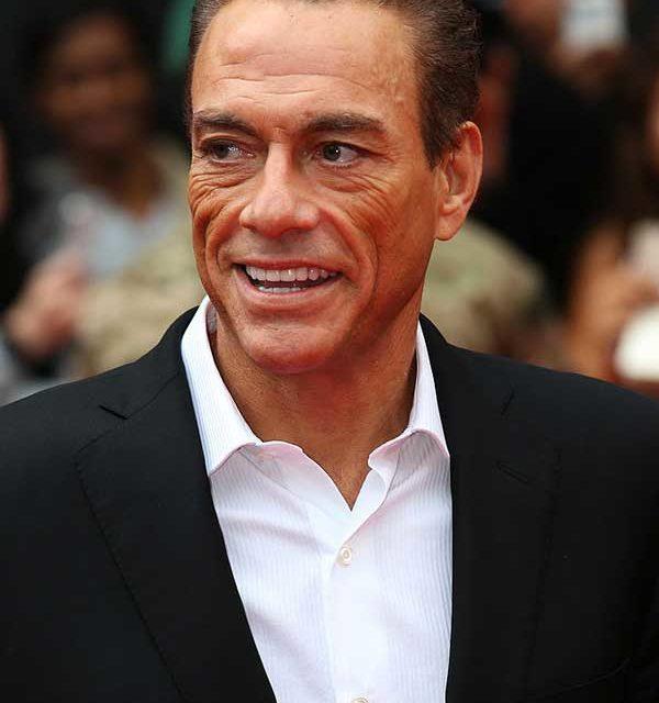 Predator (1987) - Originariamente scelto come protagonista, e poi sostituito da Arnold Schwarzenegger, Jean-Claude Van Damme si lamentava...