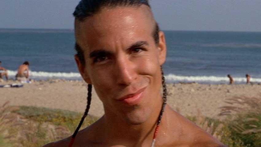 Point Break - Anthony Kiedis, frontman dei Red Hot Chili Peppers, ha interpretato il piccolo ruolo di Tone nel film cult diretto da Kathr...