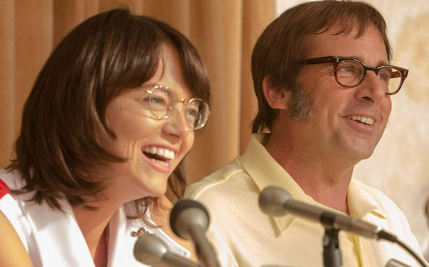 Emma Stone e Steve Carell irriconoscibili nei panni dei campioni di tennis Billie Jean King e Bobby Riggs. Accadrà in Battle of the Sexes...