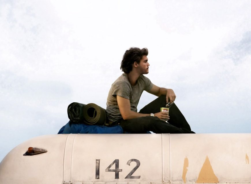 Into the Wild - Sean Penn racconta la storia di Chris McAndless, un ragazzo che dopo la laurea decide di abbandonare tutto per avventurar...