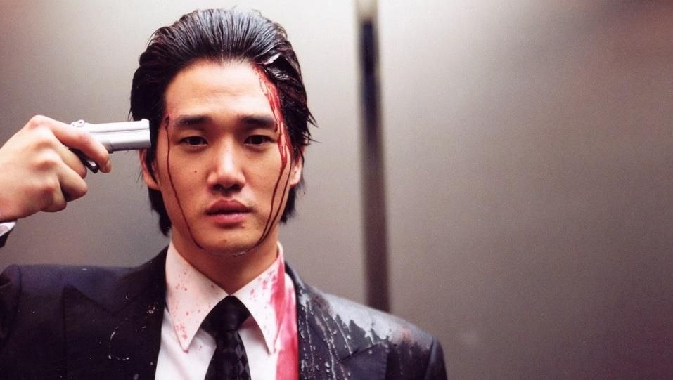 #9 - Spietatissimo Lee Woo-Jin (Yoo Ji-Tae) in Old Boy, che ordina il rapimento di un uomo (il protagonista Daesu) per poi rinchiuderlo i...