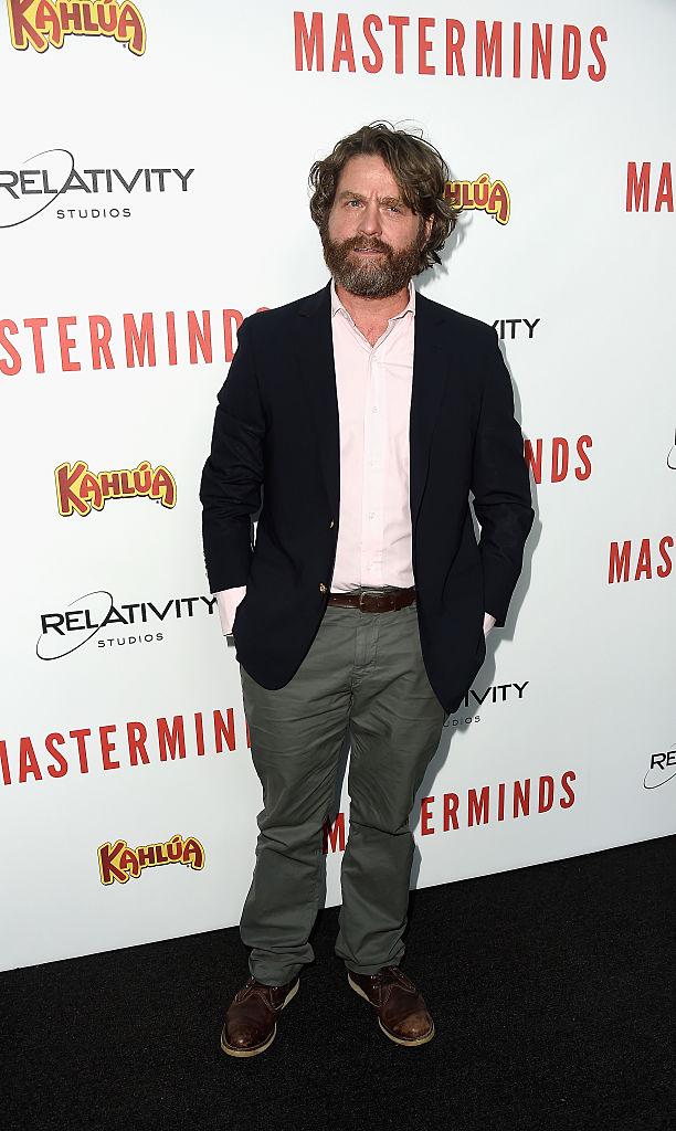 Zach Galifianakis - A differenza di Jonah Hill che è ringiovanito grazie alla perdita di peso, l'attore appare quasi invecchiato... ...
