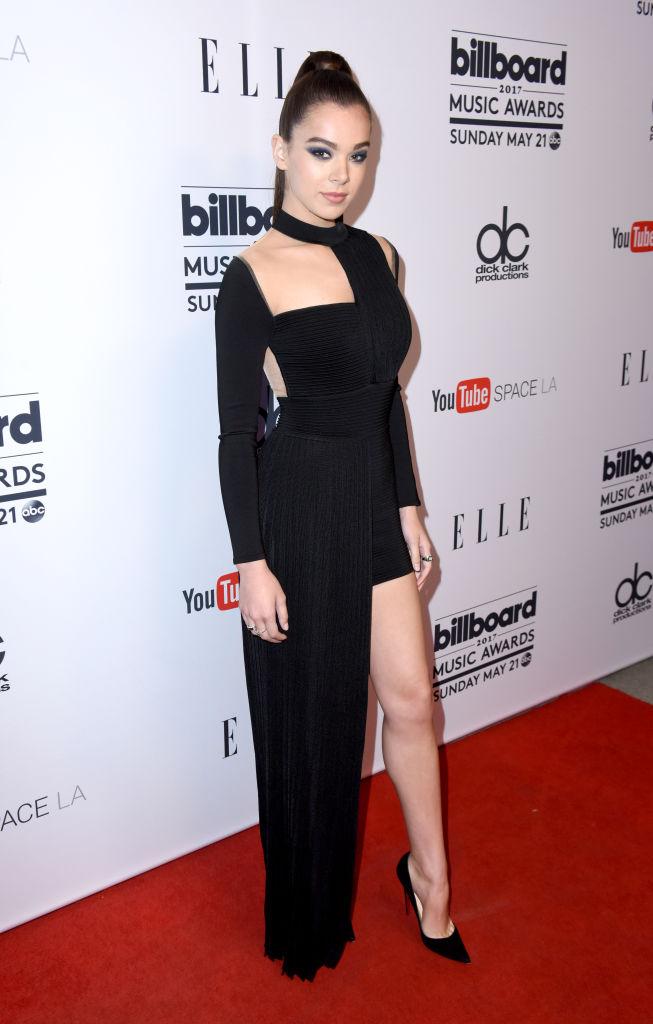 Hailee Steinfeld - Ora, ormai ventenne, l'attrice è sempre più sexy e in 17 anni (come uscirne vivi) ha dimostrato ancora di più la ...