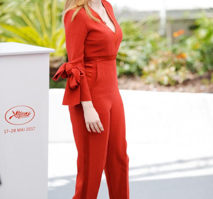 Jessica Chastain - Jumpsuit anche per la bellissima attrice, quest'anno parte della giuria che decreterà la Palma d'Oro: la tut...