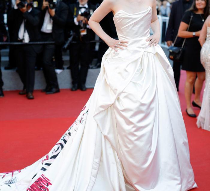 Elle Fanning - Una fata dai toni pastello l'attrice in Vivienne Westwood Couture (qui la parte davanti dell'abito). Un sogno a ...