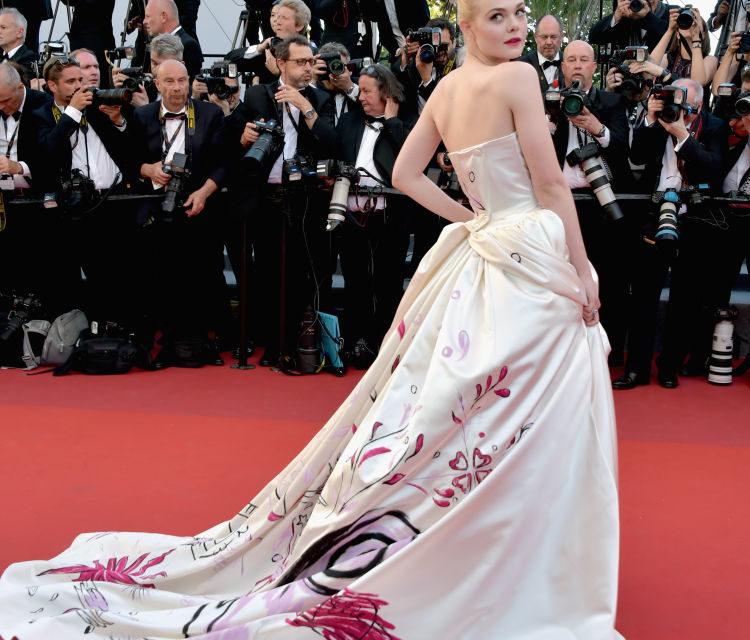 Elle Fanning - Il retro sbarazzino dell'abito Vivienne Westwood.