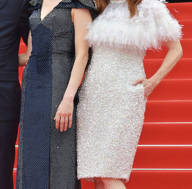 Michelle Williams e Julienne Moore - In corto bianco la Moore in uno splendido Chanel Couture che la illumina. Voto: 8+