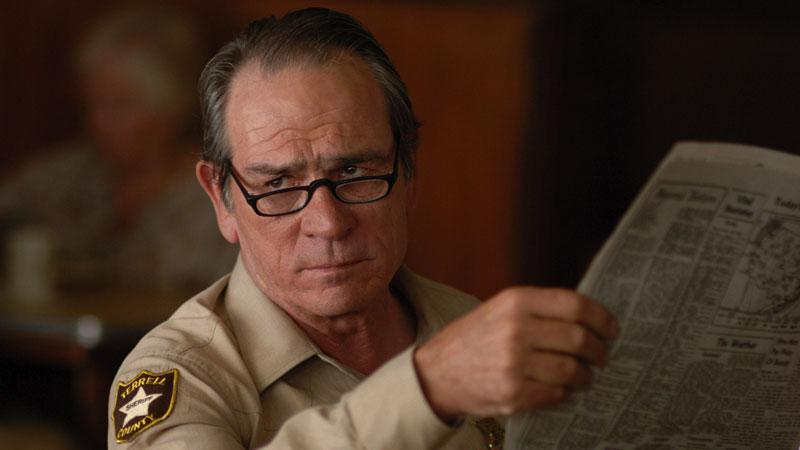 Tommy Lee Jones - Sembra che durante la produzione di Batman Forever, tra lui e Jim Carrey ci siano stati dei momenti molto difficili. Jo...