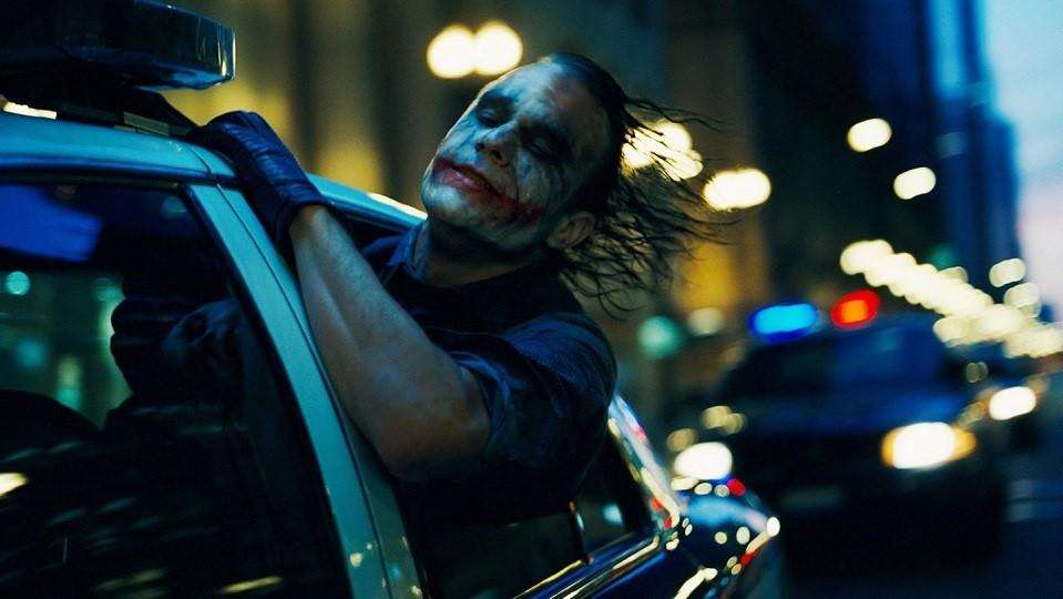 La trilogia del Cavaliere Oscuro di Christopher Nolan, ovvero la sacra trinità del genere cinecomic con cui tutti gli hero movies devono ...
