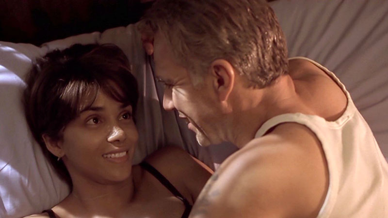 SÌ - Billy Bob Thornton con Halle Berry | L'interpretazione in Monster's Ball le è valso il Premio Oscar, ma Billy Bob le ha fatto u...