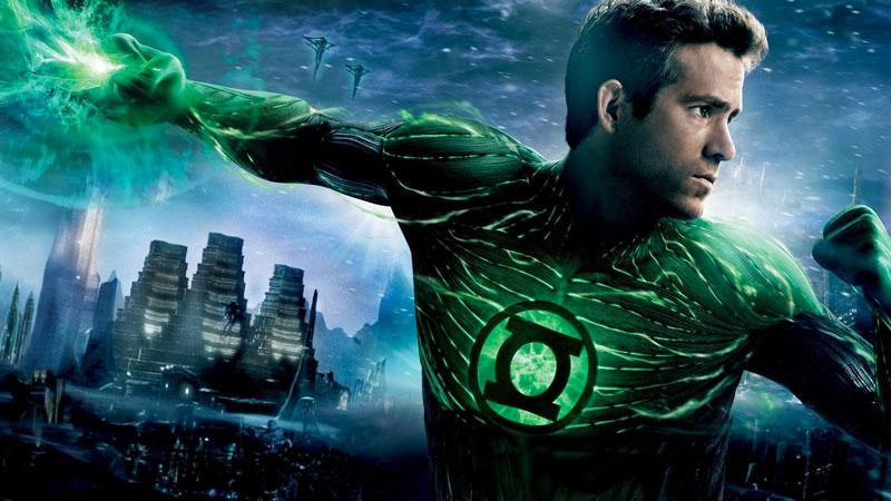 Ryan Reynolds – Come Ben Affleck, l'attore indossava una tuta motion capture sul set di Lanterna Verde, primo e unico caso di costum...