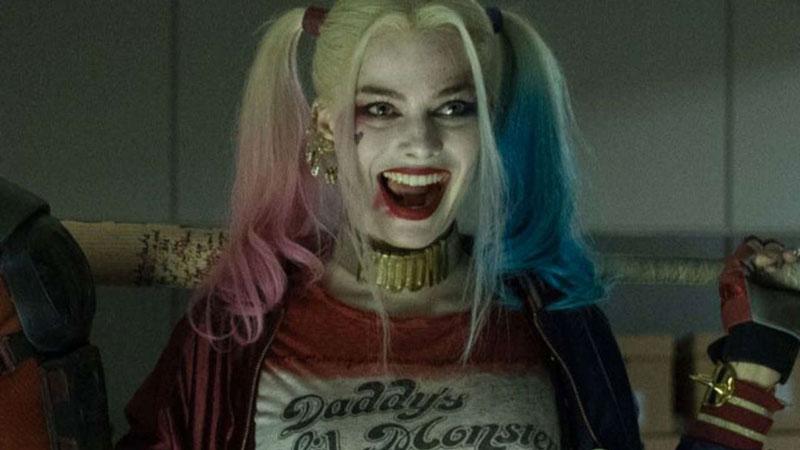 Margot Robbie - Il ruolo di Harley Quinn in Suicide Squad l'ha obbligata a indossare un paio di hot pants davvero corti, che non le ...