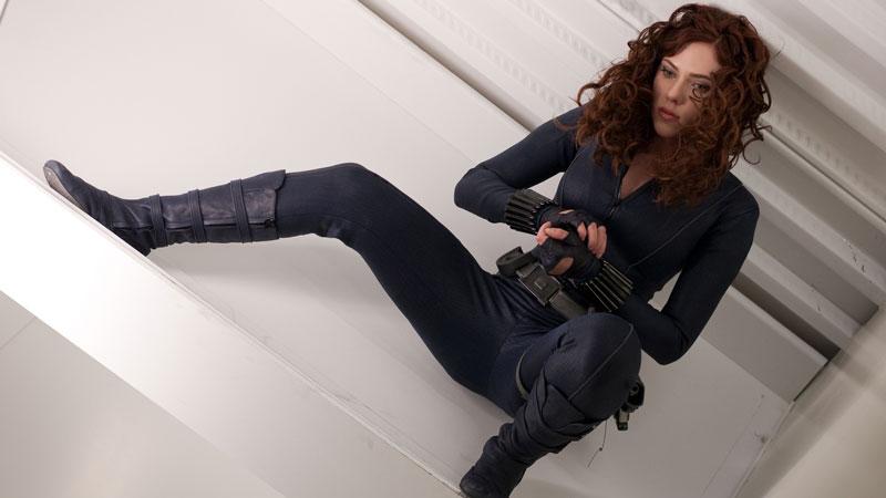 Scarlett Johansson – A detta dell'attrice, il costume della Vedova Nera nel primo Avengers la faceva sudare così tanto che, a fine g...