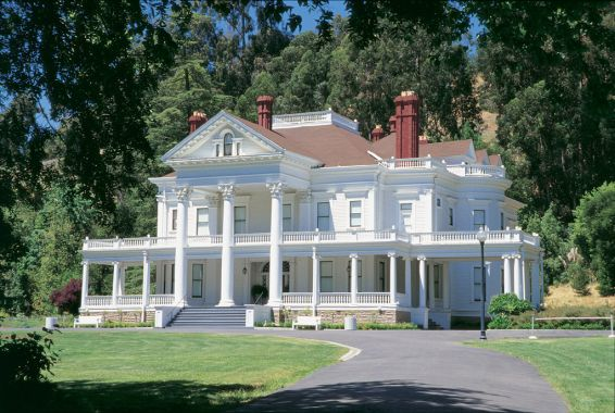 Ballata macabra - Dunsmuir House, Oakland, California